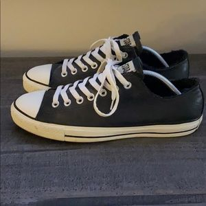 Converse - Low top black leather
